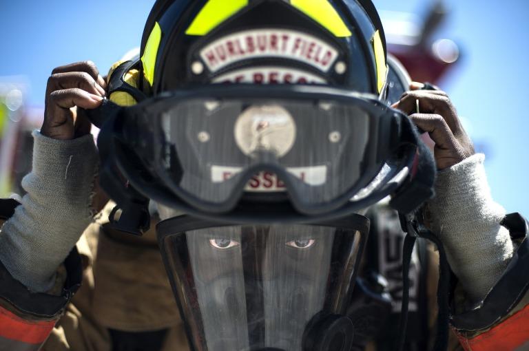 firefighter-756849_1920